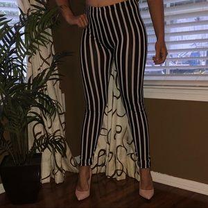 🦊 5/$20 Fashion Legging Stripe black and white